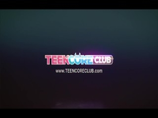 3D Little Blonde Loli Dancing and Teasing - FreeFetishTVcom
