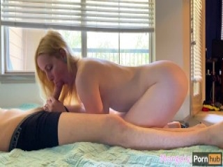 Petite blonde ass show erotic while dancing