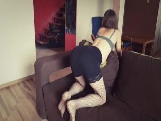 Cuckolding massaged babe