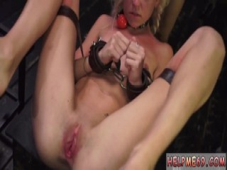 Teen virgin plays with her sex toys