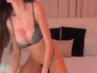 Thick Woman Masturbates At The Beach